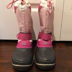 Kamik size 5 girls pink warm snow boots